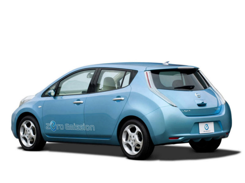 Новый электромобиль Nissan Leaf